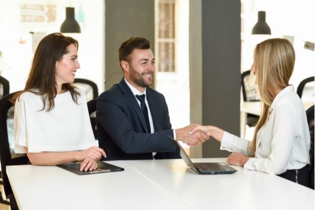 Speak With An Insurance Agent